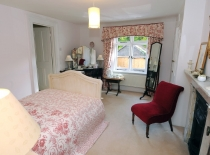 Accommodation-Dorking-Surrey-Bed-Breakfast-Hotel-Room-Gatwick-Airport-Exclusive-Quality-Country-Quiet-Peaceful-006