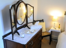 Accommodation-Dorking-Surrey-Bed-Breakfast-Hotel-Room-Gatwick-Airport-Exclusive-Quality-Country-Quiet-Peaceful-020