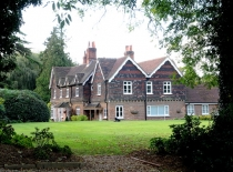 Accommodation-Dorking-Surrey-Bed-Breakfast-Hotel-Room-Gatwick-Airport-Exclusive-Quality-Country-Quiet-Peaceful-032