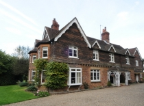 Accommodation-Dorking-Surrey-Bed-Breakfast-Hotel-Room-Gatwick-Airport-Exclusive-Quality-Country-Quiet-Peaceful-035