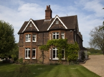 Accommodation-Dorking-Surrey-Bed-Breakfast-Hotel-Room-Gatwick-Airport-Exclusive-Quality-Country-Quiet-Peaceful-037