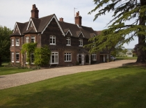 Accommodation-Dorking-Surrey-Bed-Breakfast-Hotel-Room-Gatwick-Airport-Exclusive-Quality-Country-Quiet-Peaceful-038