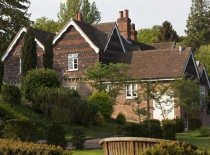 Accommodation-Dorking-Surrey-Bed-Breakfast-Hotel-Room-Gatwick-Airport-Exclusive-Quality-Country-Quiet-Peaceful-042