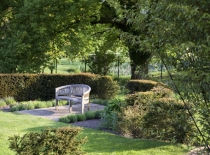 Accommodation-Dorking-Surrey-Bed-Breakfast-Hotel-Room-Gatwick-Airport-Exclusive-Quality-Country-Quiet-Peaceful-046