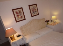Accommodation-Dorking-Surrey-Bed-Breakfast-Hotel-Room-Gatwick-Airport-Exclusive-Quality-Country-Quiet-Peaceful-183